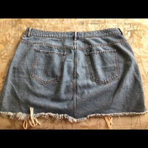 Jean skirt with ties
